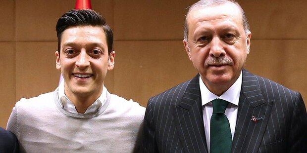 Erdogan sicherte Özil seine Unterstützung zu