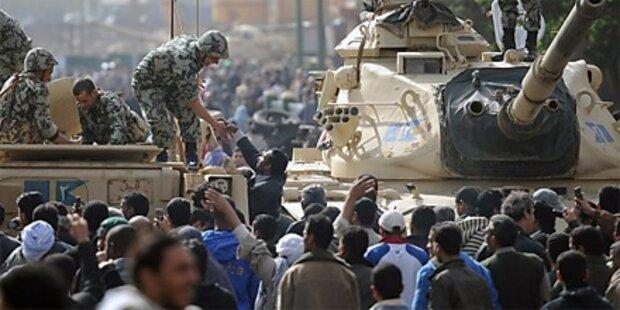 Mubaraks Schicksal hängt von der Armee ab
