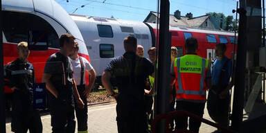 Zug-Gäste eine Stunde in Waggon gefangen