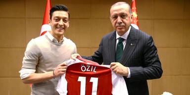 Özil-Rücktritt: So reagiert die deutsche Politik
