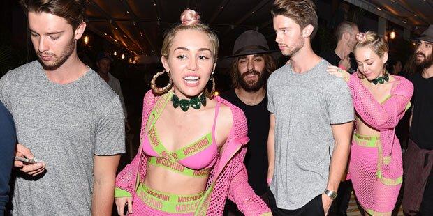 Miley Cyrus: Flotter Dreier mit Arnie-Sohn