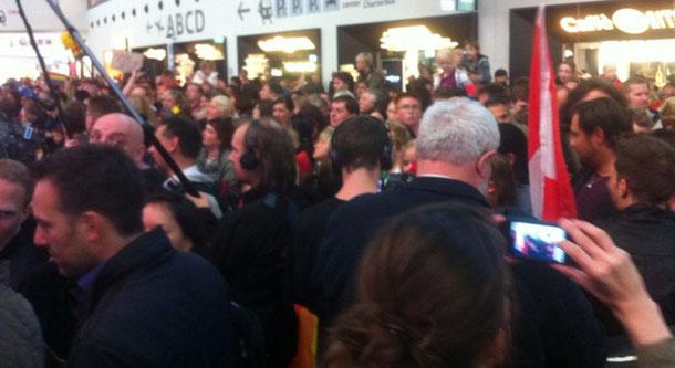 Fans warten auf Conchita Wurst