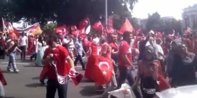 Türkei-Demos ziehen durch Wien
