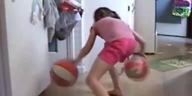 Achtjährige dribbelt wie ein Profi