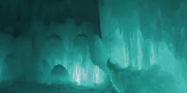 Traumhafte Eiskulisse: Eisschloss