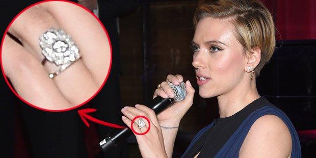 Scarlett Johansson, ist das ein Ehering?