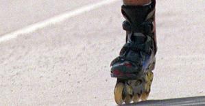 0061211_rollerskates_APA