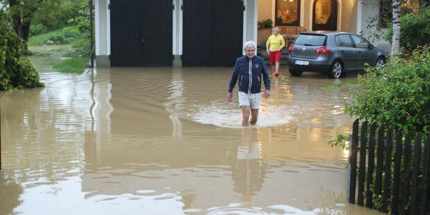 Rekord-Regen: Land unter am Dienstag