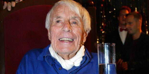 Mit 107 Jahren: Heesters gibt Rauchen auf
