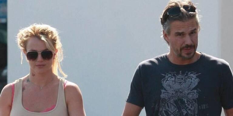 Britney Spears: Schlägt Lover Jason sie?