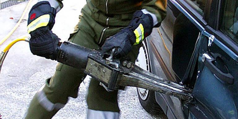 Drei Schwerverletzte bei Verkehrsunfall in Salzburg