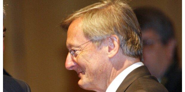 Schüssel bestätigt Einladung, dementiert Vorwürfe