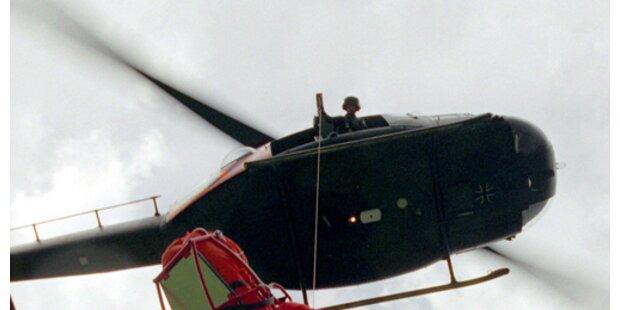 34-jähriger fünf Meter von Dach gestürzt