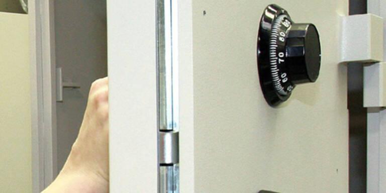 100 Kilo-Tresor aus der Wand gerissen
