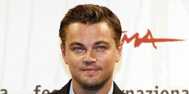 061030_dicaprio_pps