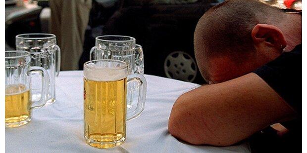 Betrunkene Touristen verprügeln Liftwart