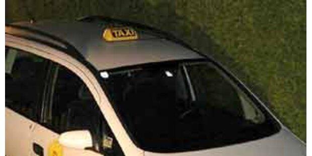 Kreuze von Taxi-Kennzeichen entfernt