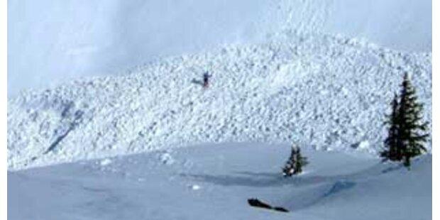 Lawine tötet Tourengeher in Tirol