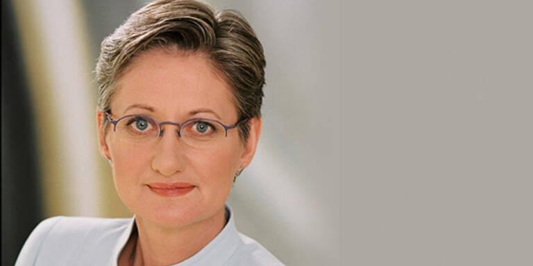 BM Claudia Schmied