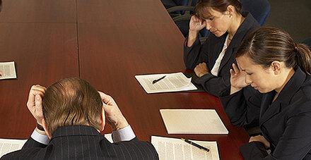 Frauen bremsen sich im Job oft aus