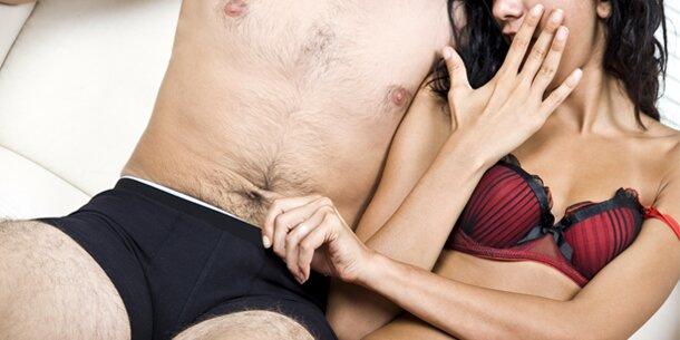 Beschneidung des Penis eines Mannes