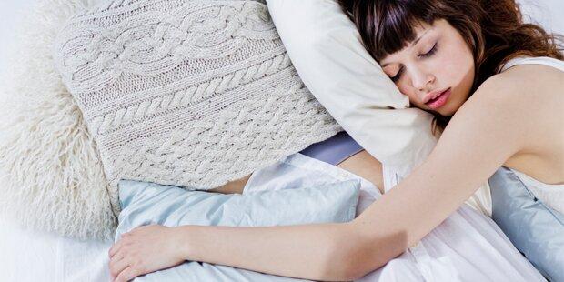 Darum sollten Sie nie auf der rechten Seite schlafen
