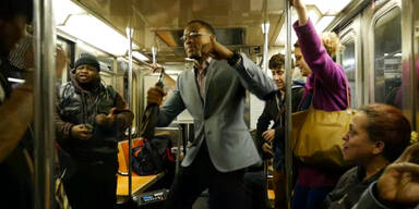 Verrückte Party in der U-Bahn!