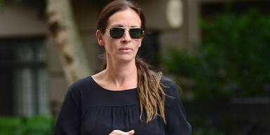 Roberts schwänzte Trauerfeier ihrer Schwester