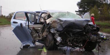 62-jährige Wienerin stirbt bei Horror-Crash in NÖ