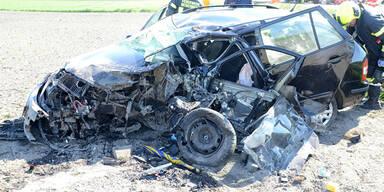 Zwei Tote bei Pkw-Kollision im Bezirk Baden