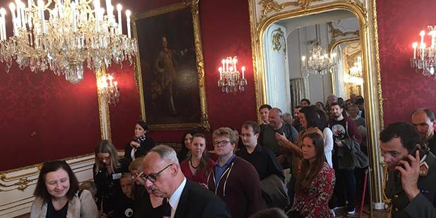 Der Bundespräsident und seine Frau stellen sich für Fotos zur Verfügung 2