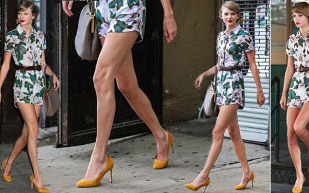 Taylor Swift zeigt Endlos-Beine in Blümchen-Suit 418b04262a