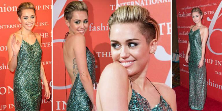 Unglaublich: Miley zeigt sich richtig bedeckt