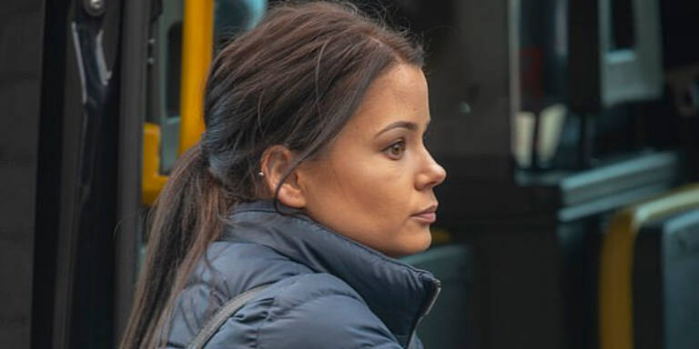 Mutter überfährt Burschen-Gruppe wegen Klingelstreich