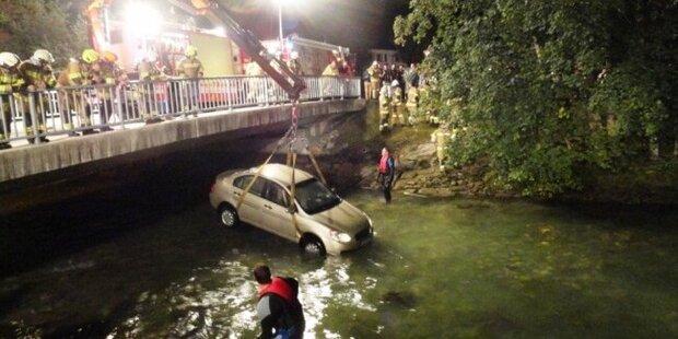 Auto stürzte in Ache: Niemand verletzt
