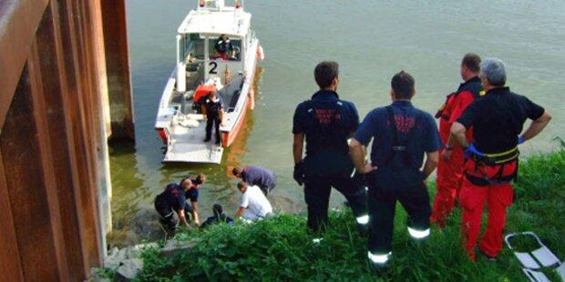 Lenker stürzte mit Pkw in Wien in Hafenbecken