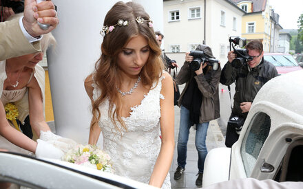 Blumig: Romantischer Hochzeits-Look