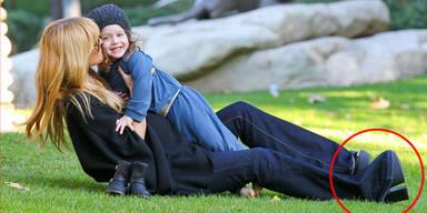 Rachel Zoe mit High Heels am Spielplatz