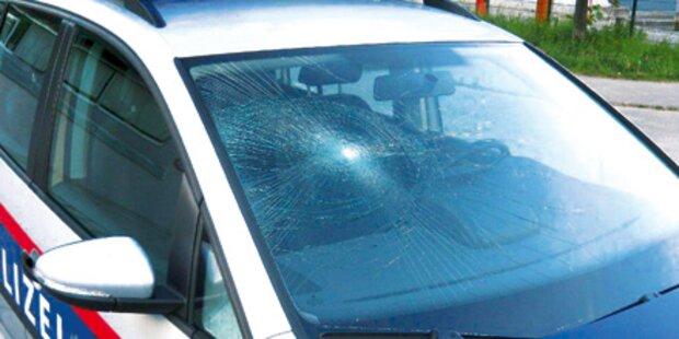 Rauschiger rammte mit Kopf Polizeiauto