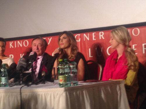 Elisbetta Canalis Pressekonferenz