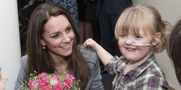 Kate zeigt Herz für kranke Kinder