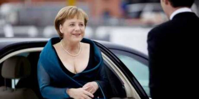 Merkels Dekollete kam super an