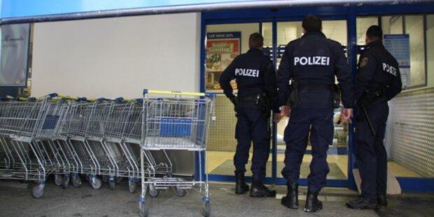 Supermarkt vor Ladenschluss überfallen