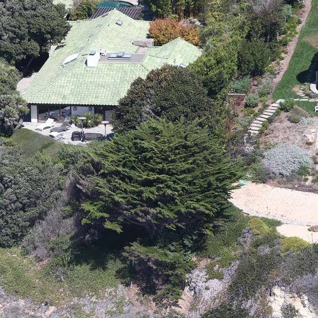 Angelina Jolie: Villa in Malibu