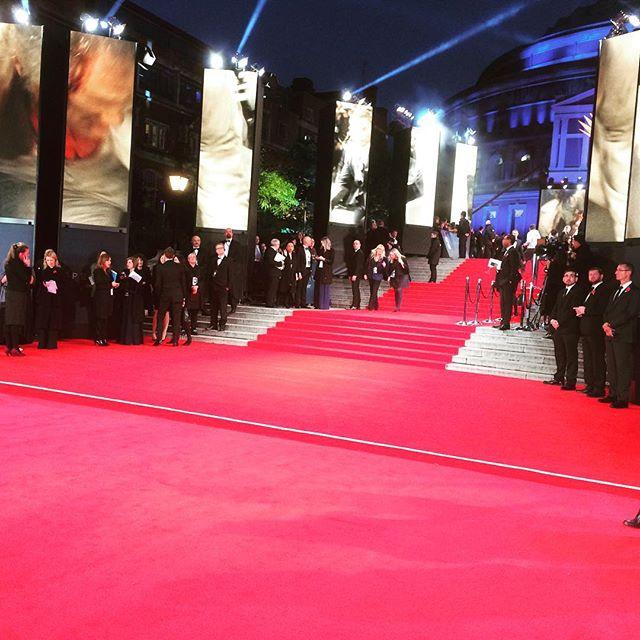 Bond-Premiere