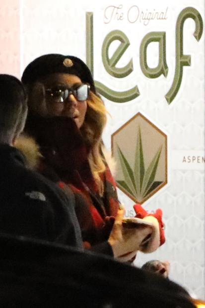 Mariah Carey kauft Marihuana