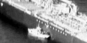 Öltanker-Angriff: Video soll Sabotage-Akt zeigen