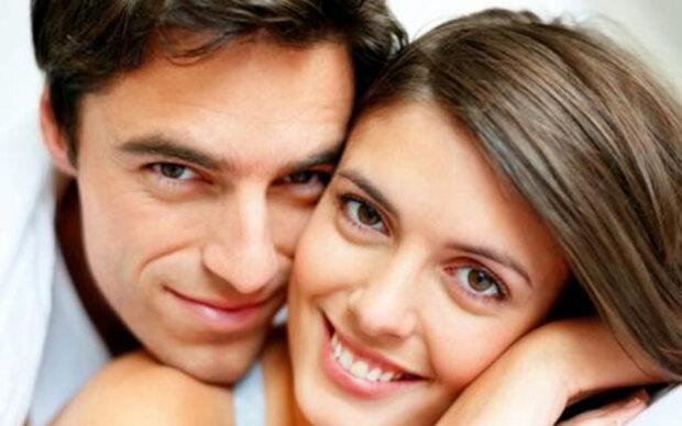 Zehn Dinge, die Männer an Frauen lieben