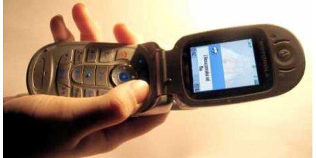 18-Jähriger raubt Schülerin das Handy