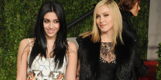 Lourdes  verbannt Madonna von Party